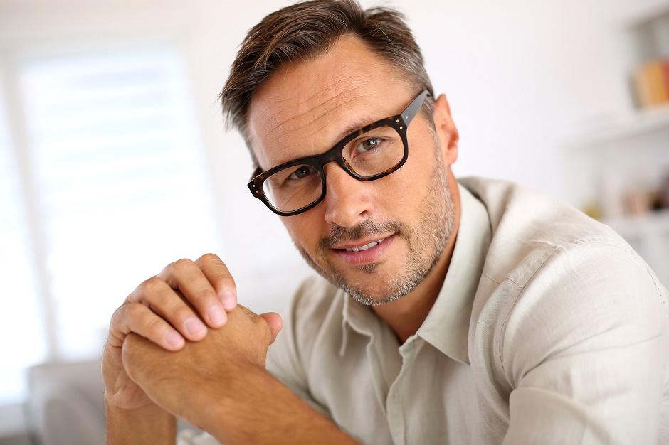 6adbdd96e 9 نصائح صحية لمستخدمي النظارات الطبية | مجلة الرجل