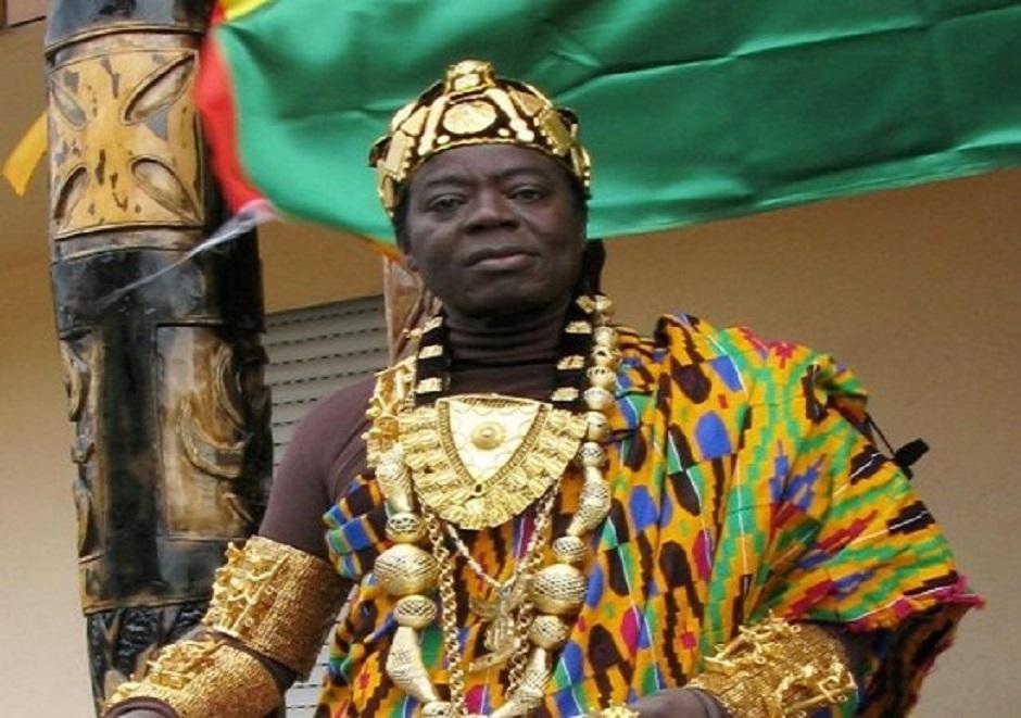 بالصور..ملك إفريقي يعيش في ألمانيا ويحكم شعبه عبر سكايب | مجلة الرجل