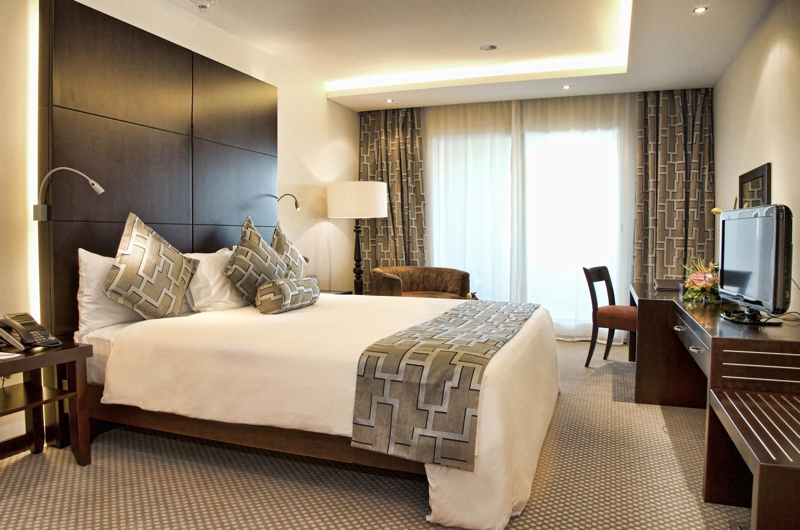 Bedroom Hotel Suites Santa Barbara