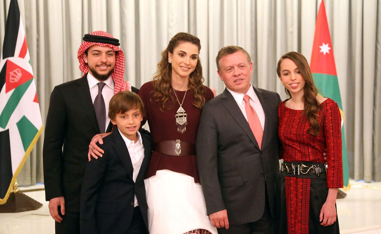 cf48dc9df الملك عبدالله الثاني والملكة رانيا.. قصة حب عمرها ربع قرن (فيديو) | مجلة  الرجل