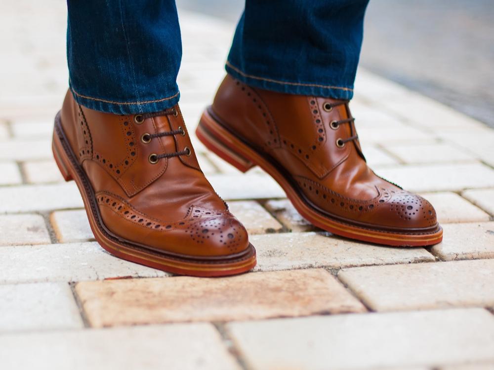 أنماط الأحذية الشتوية الرائجة لهذا الموسم مجلة الرجل