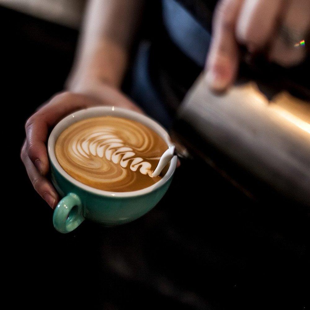 لعشاق قهوة إسبريسو إليكم طريقة التحضير الرجل