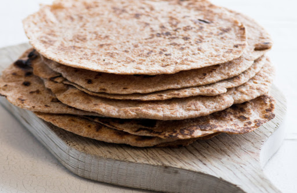 السعرات الحرارية في خبز التورتيلا الأسمر أشهى المأكولات المكسيكية الرجل