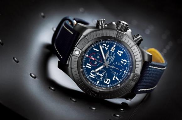 ساعتا سوبر أفينجر كرونوغراف 48 (Super Avenger Chronograph 48) وكرونوغراف 48 نايت ميشن (Chronograph 48 Night Mission) من بريتلينغ (Breitling)