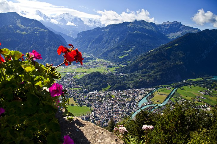السياحة في سويسرا: إنترلاكن