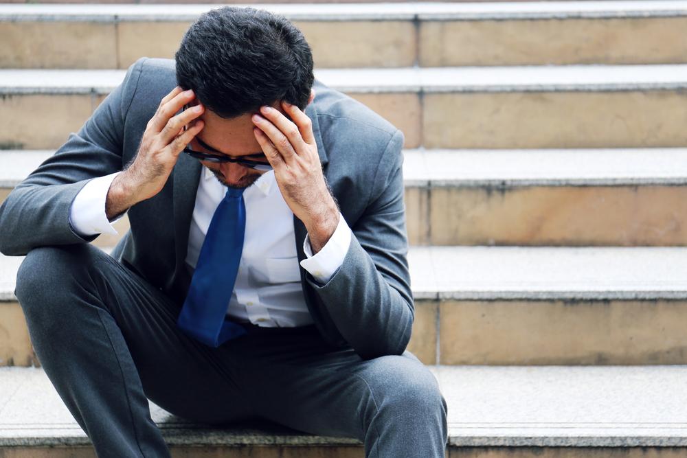 الفرق بين أعراض الاكتئاب والحزن